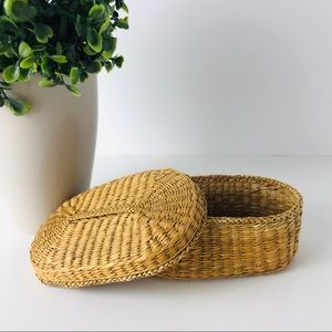 Vintage Small Wicker basket container with lid